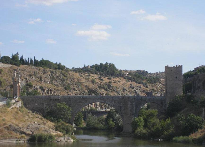 cosa vedere a toledo: puente alcantara