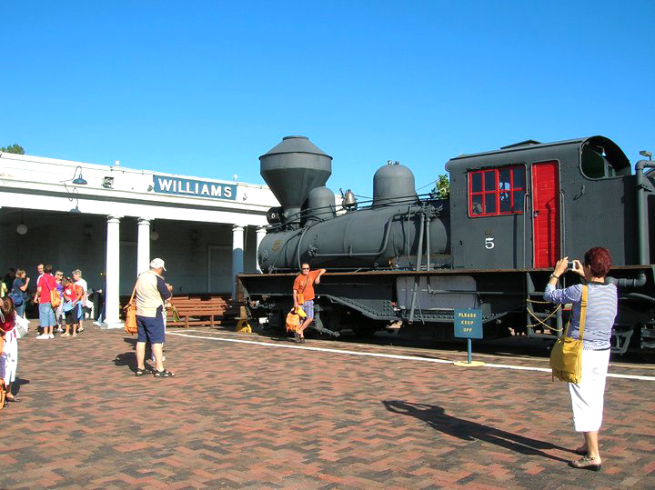 Grand Canyon Railway - Stazione di Williams