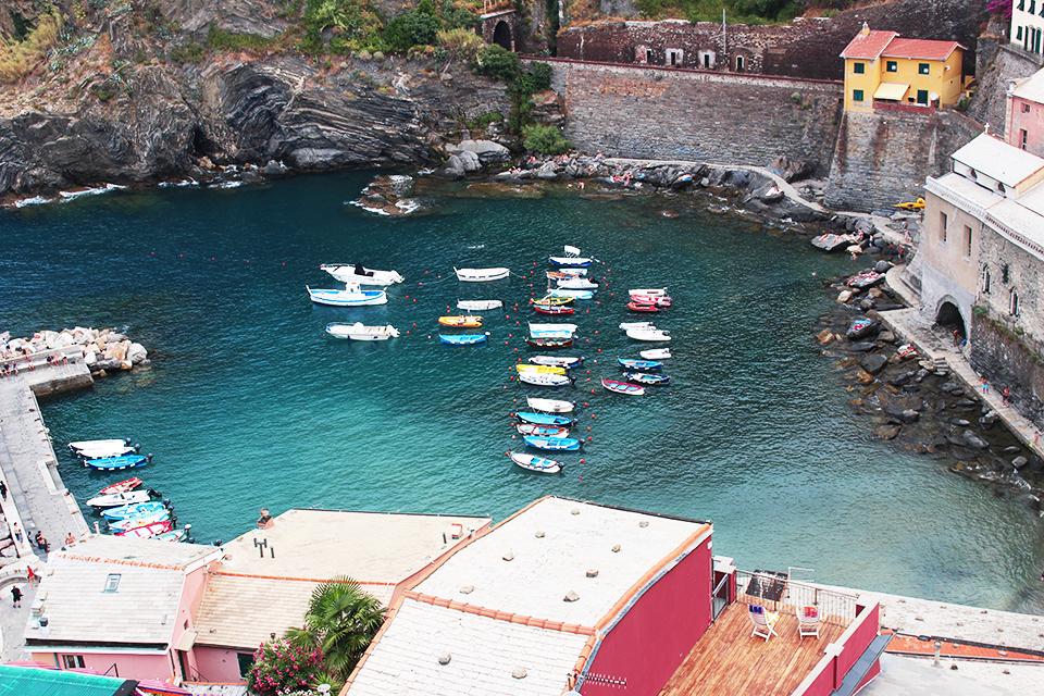 Barche al porto di Vernazza