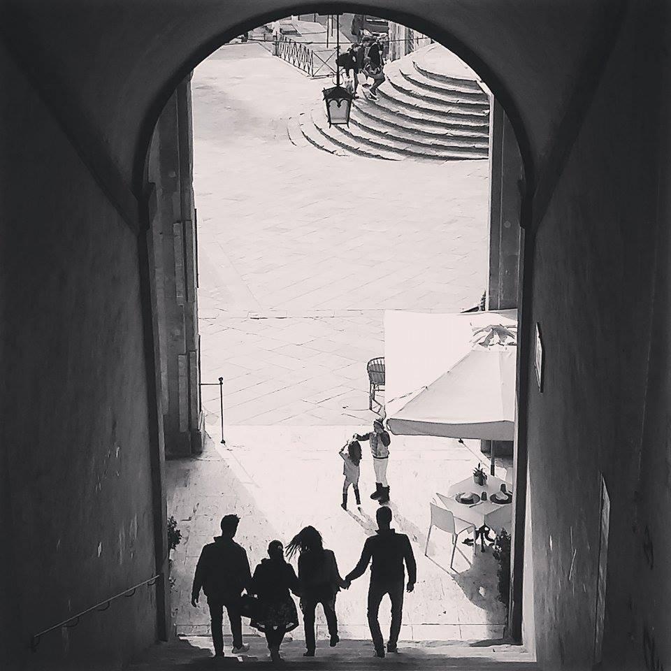 Arezzo cosa vedere: scorcio su piazza grande