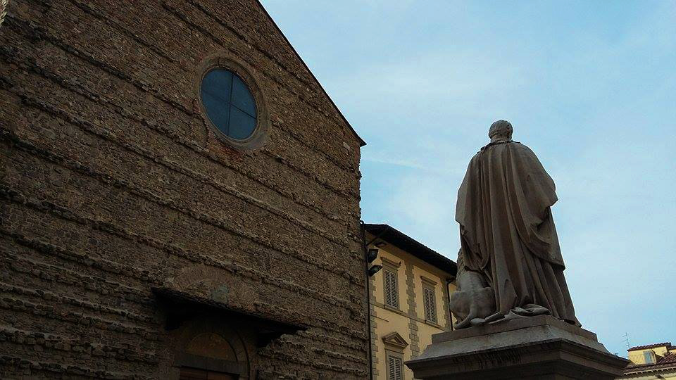 arezzo in un giorno: piazza san francesco