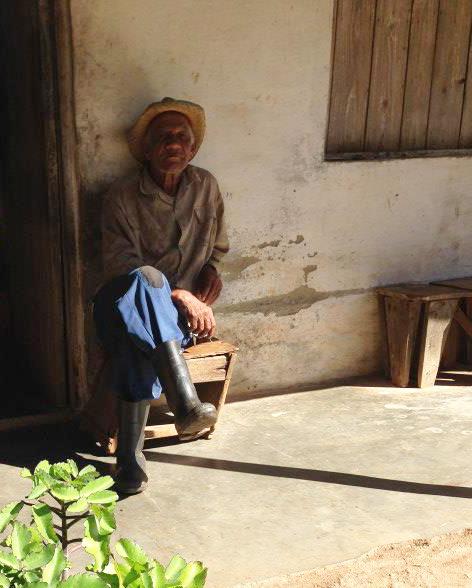 anziano contadino sulle montagne di Trinidad (cuba)
