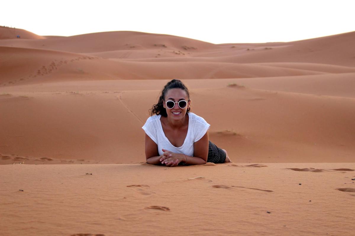 io nel deserto Erg Chebbi Marocco