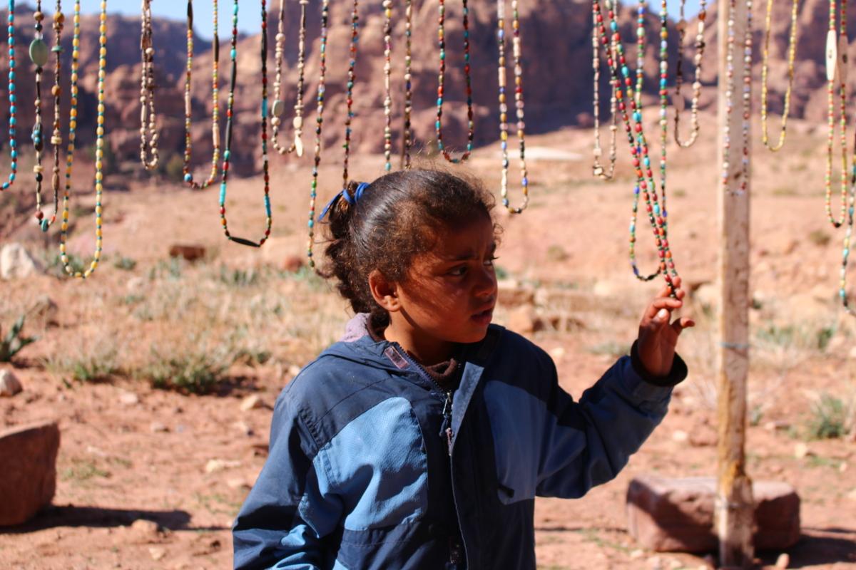 bambina a Petra