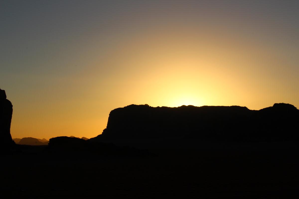 tramonto nel wadi rum