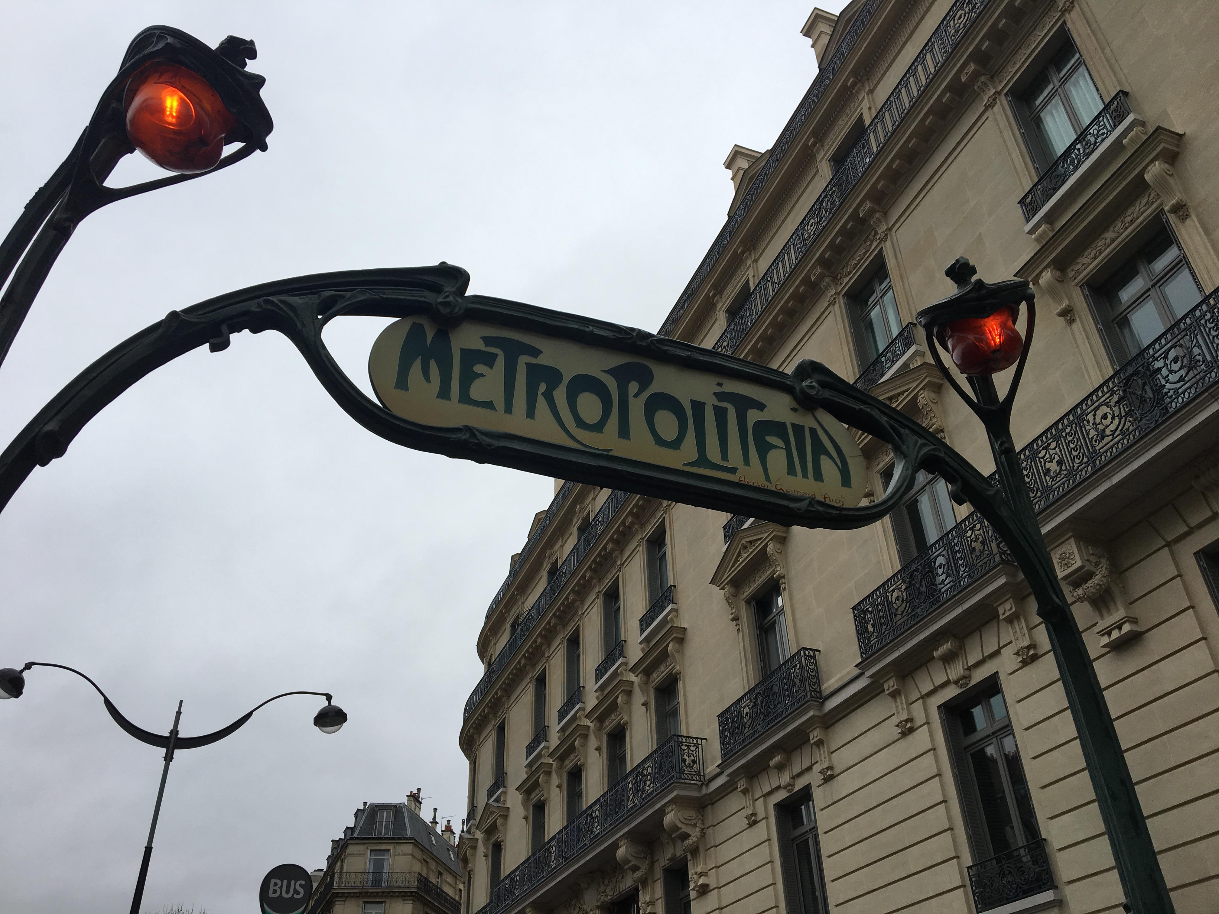 metropolitana a Parigi