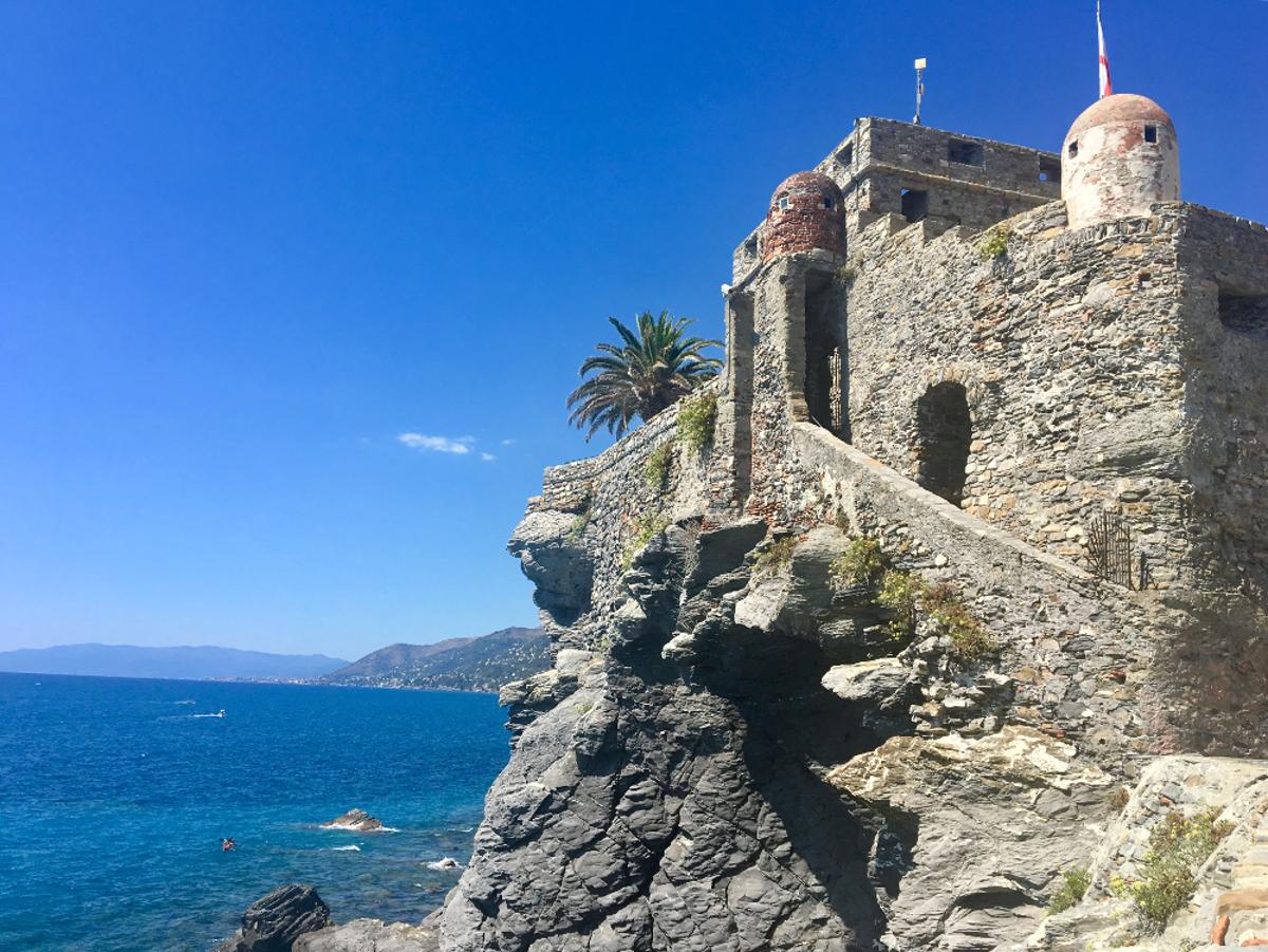 Camogli cosa vedere: castello della dragonara