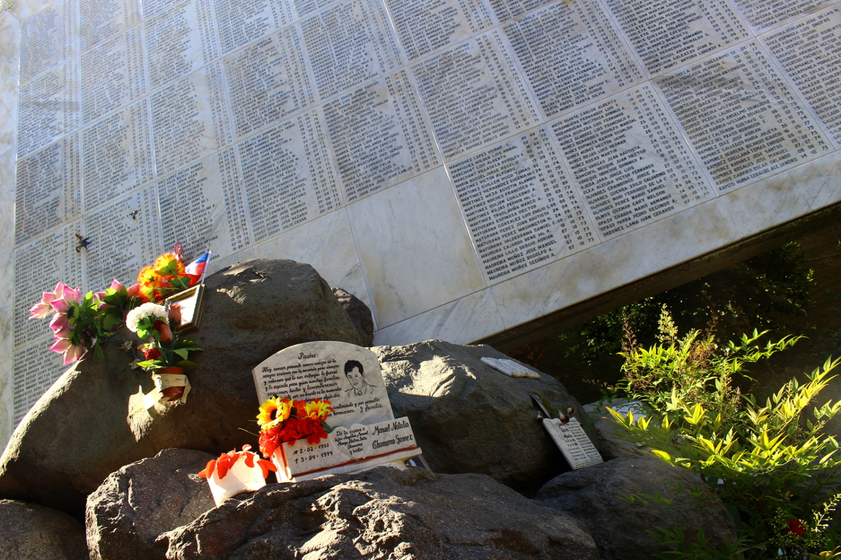 monumento desaparecidos Santiago del Cile