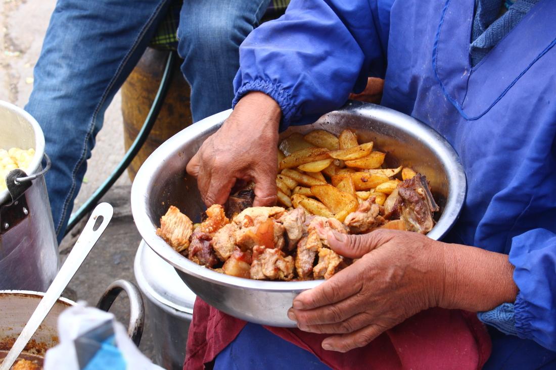 viaggio in Bolivia: street food potosi