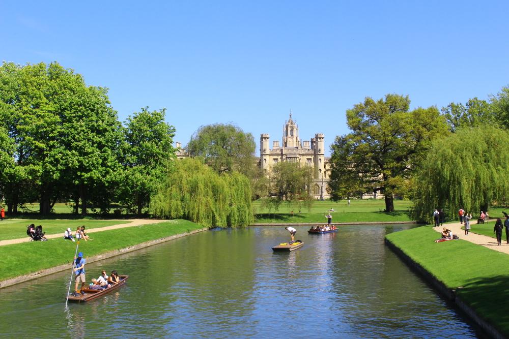 visitare cambidge: giardini, fiume, college