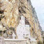 Monastero di Ostrog: il monastero nella roccia. Come arrivare e altre info