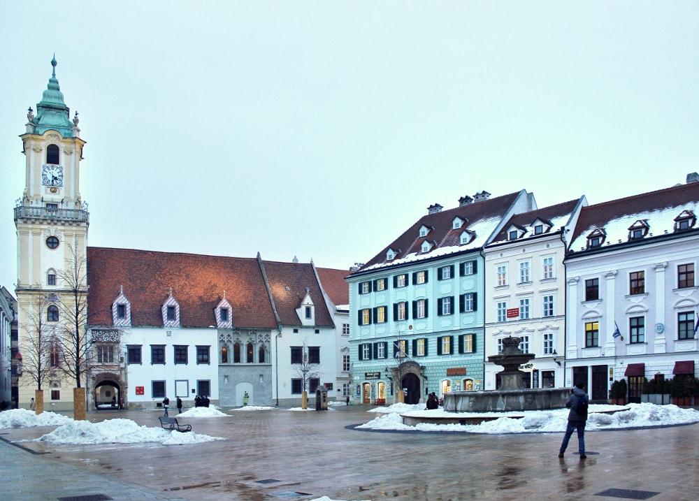 cosa vedere a Bratislava: piazza principale