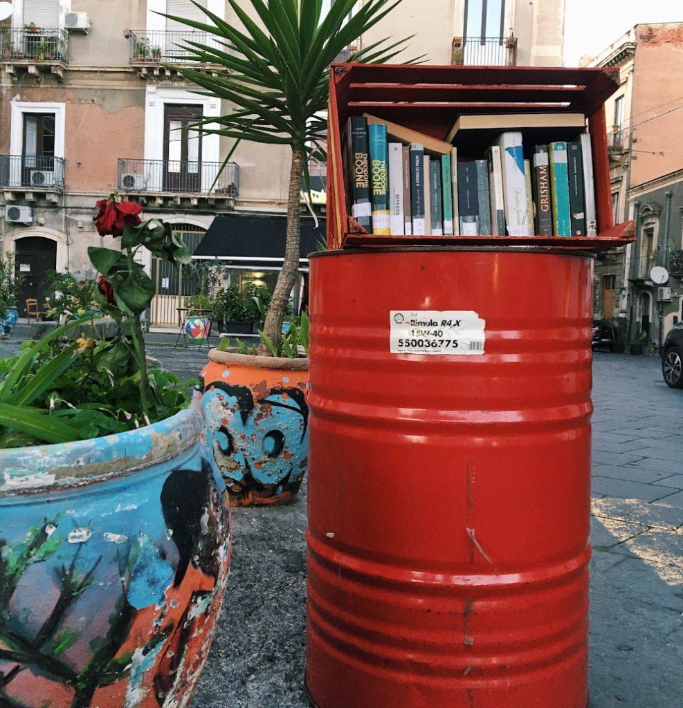 catania in un giorno: piazza dei libri