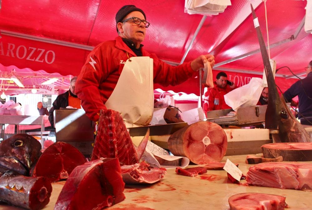 catania cosa vedere: mercato del pesce